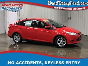 2013 Ford Focus SE W/ USB AUX Ports and Keyless Entry Sedan