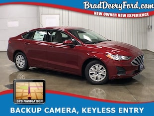 2019 Ford Fusion S W/ Navigation, Back-up camera and Keyless Entry Sedan