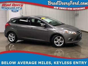 2014 Ford Focus SE w/ Sync, USB AUX and Keyless Entry Hatchback
