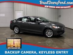 2019 Ford Fusion SE w/ Backup Camera, Nav. & Keyless Entry Sedan