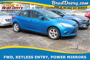 2014 Ford Focus SE w/ Bluetooth, Keyless Entry & 37 MPG!! Hatchback