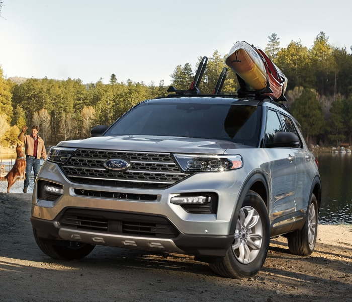 Ford Explorer with Kayak