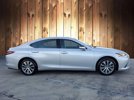 Featured Used 2019 LEXUS ES for sale in Tampa, FL