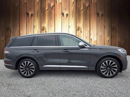 Featured Used 2020 Lincoln Aviator Black Label Grand Touring Black Label Grand Touring AWD for sale in Tampa, FL