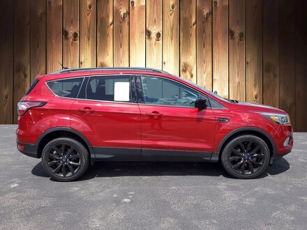 Featured Used 2017 Ford Escape SE SE FWD for sale in Tampa, FL