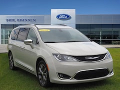 2020 Chrysler Pacifica Limited Limited  Mini-Van
