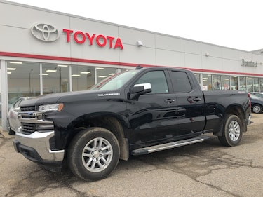 2019 Chevrolet Silverado 1500 LT, Only 1932 Km's, Back Up Camera, Heated Seats Extended Cab