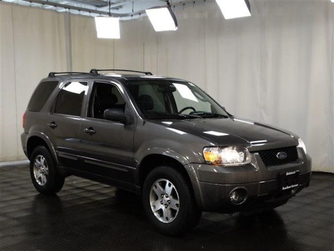 2005 Ford Escape Limited SUV