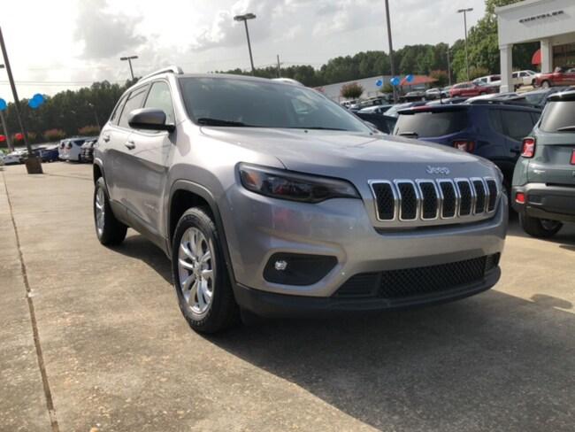 New 2019 Jeep Cherokee LATITUDE FWD Sport Utility In Ruston