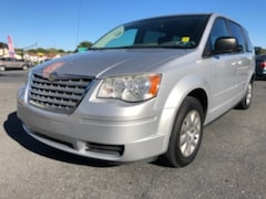 2009 Chrysler Town & Country LX Van