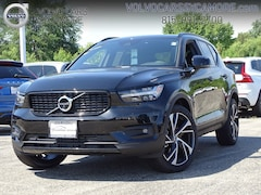New 2019 Volvo XC40 T5 R-Design SUV for sale in Sycamore, IL