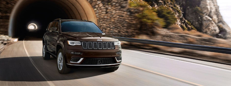 2017 Jeep Grand Cherokee Model Specs in Sycamore, IL