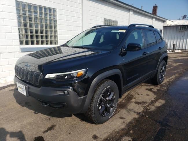 New 2019 Jeep Cherokee UPLAND 4X4 Sport Utility near Wausau, WI