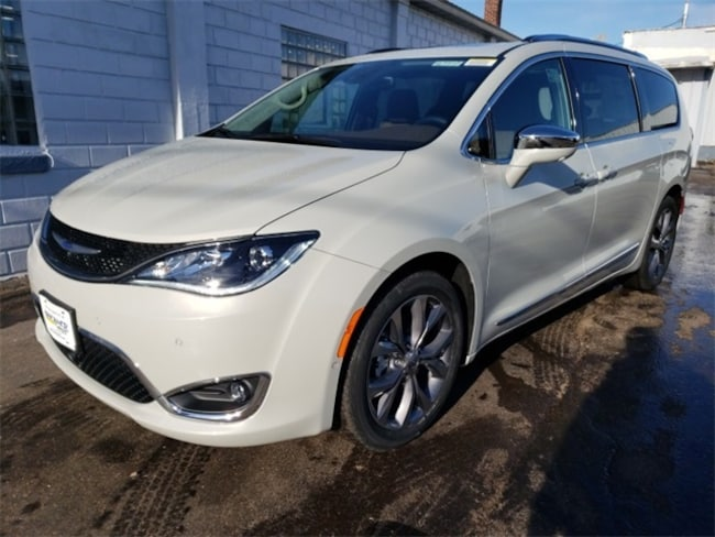 New 2019 Chrysler Pacifica LIMITED Passenger Van near Wausau, WI