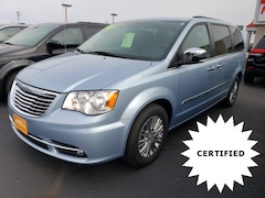 2016 Chrysler Town & Country Touring-L Minivan/Van 2C4RC1CG9GR190538 for sale in Antigo, WI