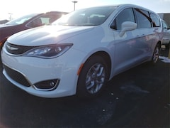 2019 Chrysler Pacifica TOURING PLUS Passenger Van 2C4RC1FG6KR569291 for sale in Antigo, WI