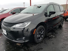 2020 Chrysler Pacifica TOURING L PLUS Passenger Van 2C4RC1EG3LR121934 for sale in Antigo, WI