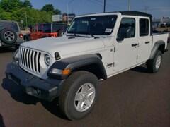 2020 Jeep Gladiator Crew Cab