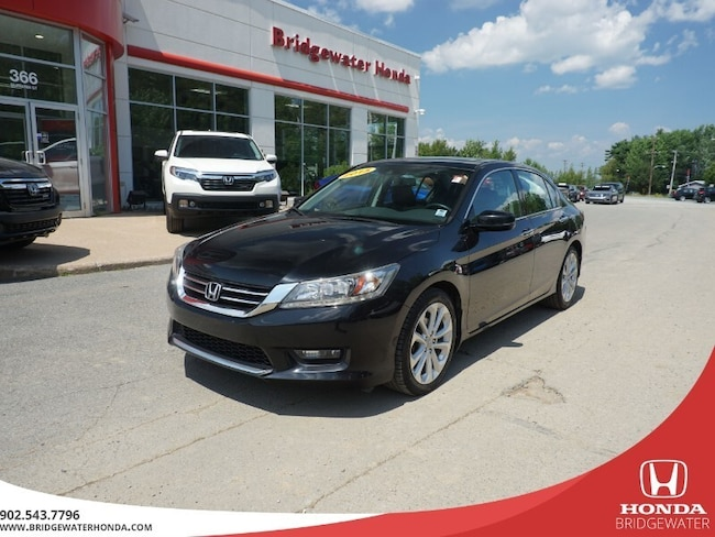 2015 Honda Accord Touring - V6 - Dealer Maintained Right Here!!! Sedan
