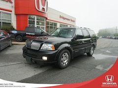2005 Lincoln Navigator Ultimate - 4x4 - Theater Seating 4x4 SUV