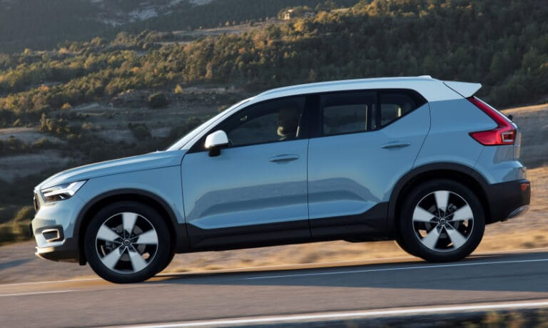 New Volvo XC40 side profile driving