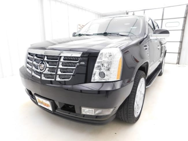 2011 CADILLAC ESCALADE EXT Luxury SUV