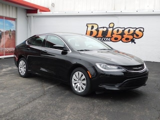 2016 Chrysler 200 LX FWD Sedan