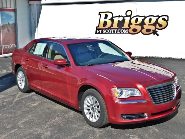 2013 Chrysler 300 RWD Sedan