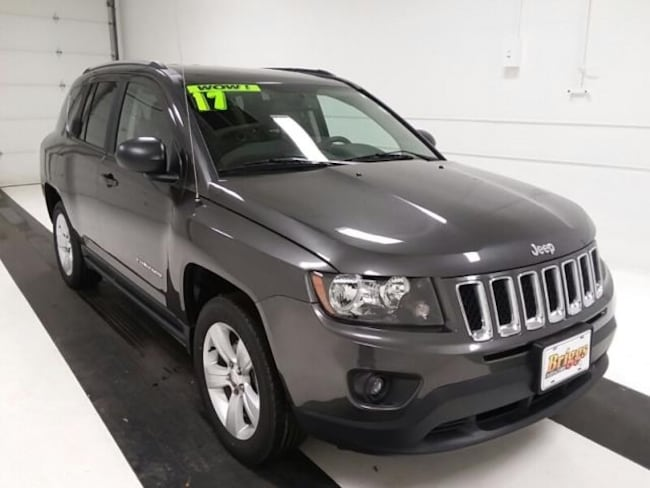 Used 2017 Jeep Compass Sport FWD SUV in Topeka KS