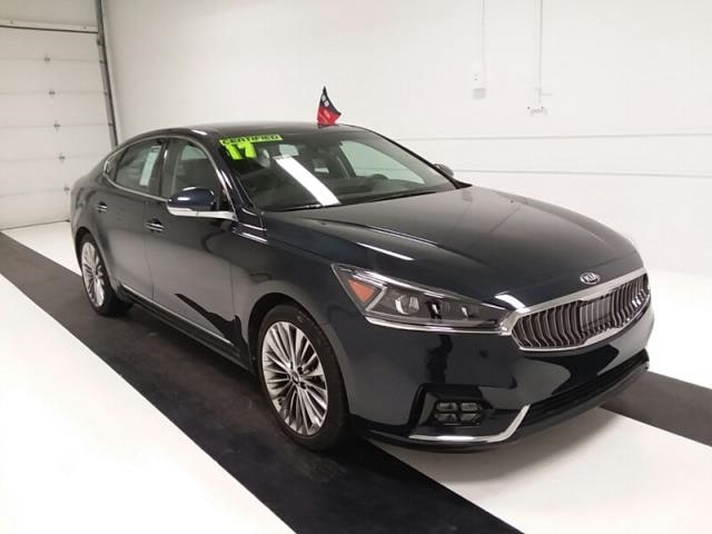 2017 Kia Cadenza Limited Sedan Sedan