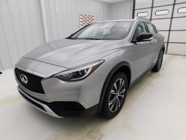 2017 INFINITI QX30 Luxury SUV