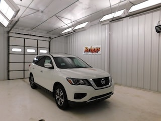 New 2018 Nissan Pathfinder S SUV for sale in Manhattan, KS at Briggs Manhattan