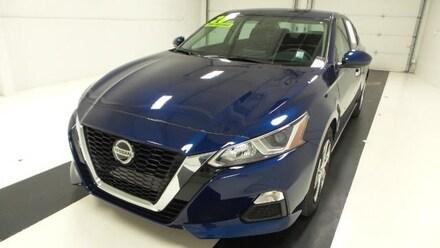 Featured used 2020 Nissan Altima 2.5 S Sedan Sedan for sale in Topeka, KS