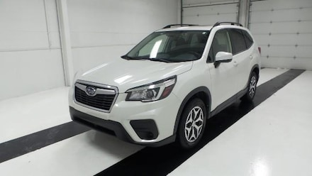 Featured used 2020 Subaru Forester Premium CVT SUV for sale in Topeka, KS