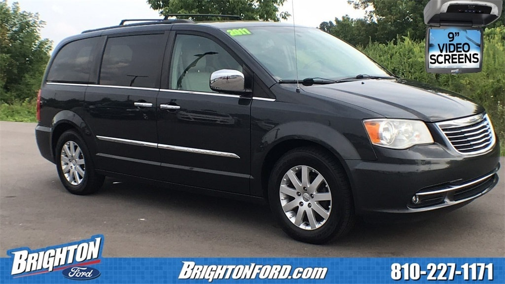 2011 Chrysler Town & Country Touring-L Minivan/Van