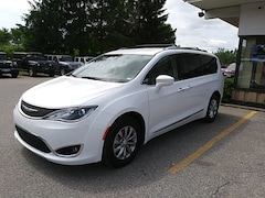 2019 Chrysler Pacifica Touring L Van Passenger Van 2C4RC1BGXKR561247 for Sale in Rutland, VT at Brileya's Chrysler Jeep