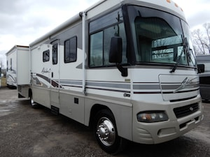 2003 WINNEBAGO Adventurer 35U