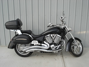 2007 VICTORY MOTORCYCLES Kingpin Deluxe Black