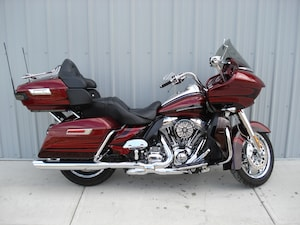 2015 HARLEY-DAVIDSON FLTRUSE CVO Road Glide Ultra Red
