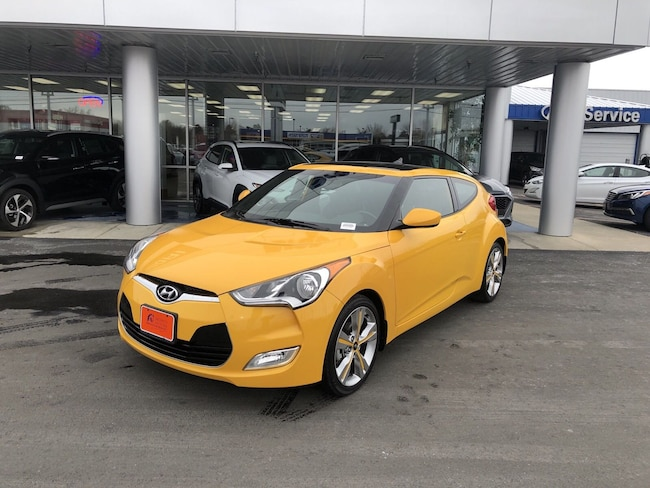 2016 Hyundai Veloster Base w/Yellow Accent Hatchback