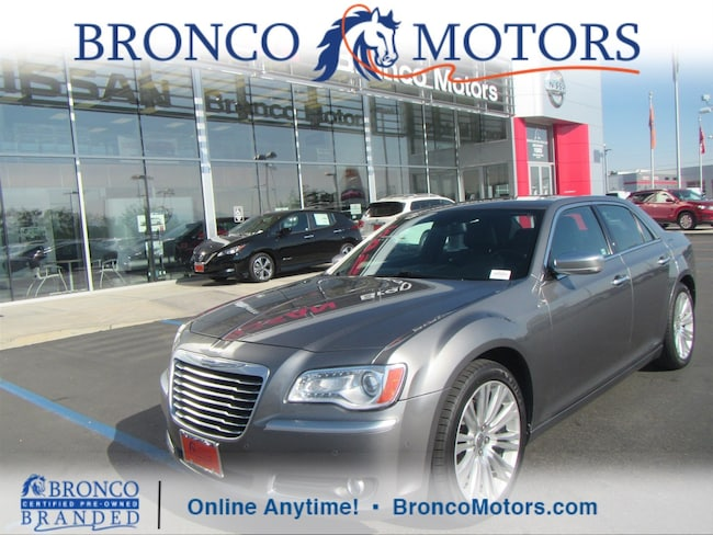 2012 Chrysler 300C Luxury Series Sedan