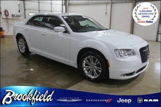 New  2019 Chrysler 300 TOURING L Sedan for sale in Benton Harbor, MI