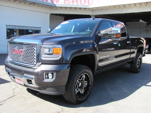 2016 GMC Sierra 2500HD Denali 6.6 Turbo Diesel 4WD (Lifted)