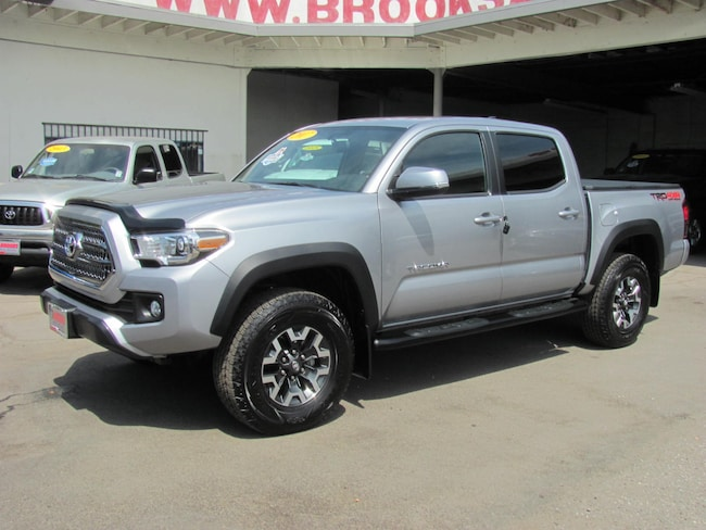 2017 Toyota Tacoma Double Cab V6 TRD Sport 4WD Truck
