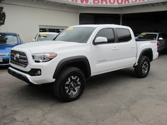 2017 Toyota Tacoma TRD Off Road V6 4WD Truck Double Cab