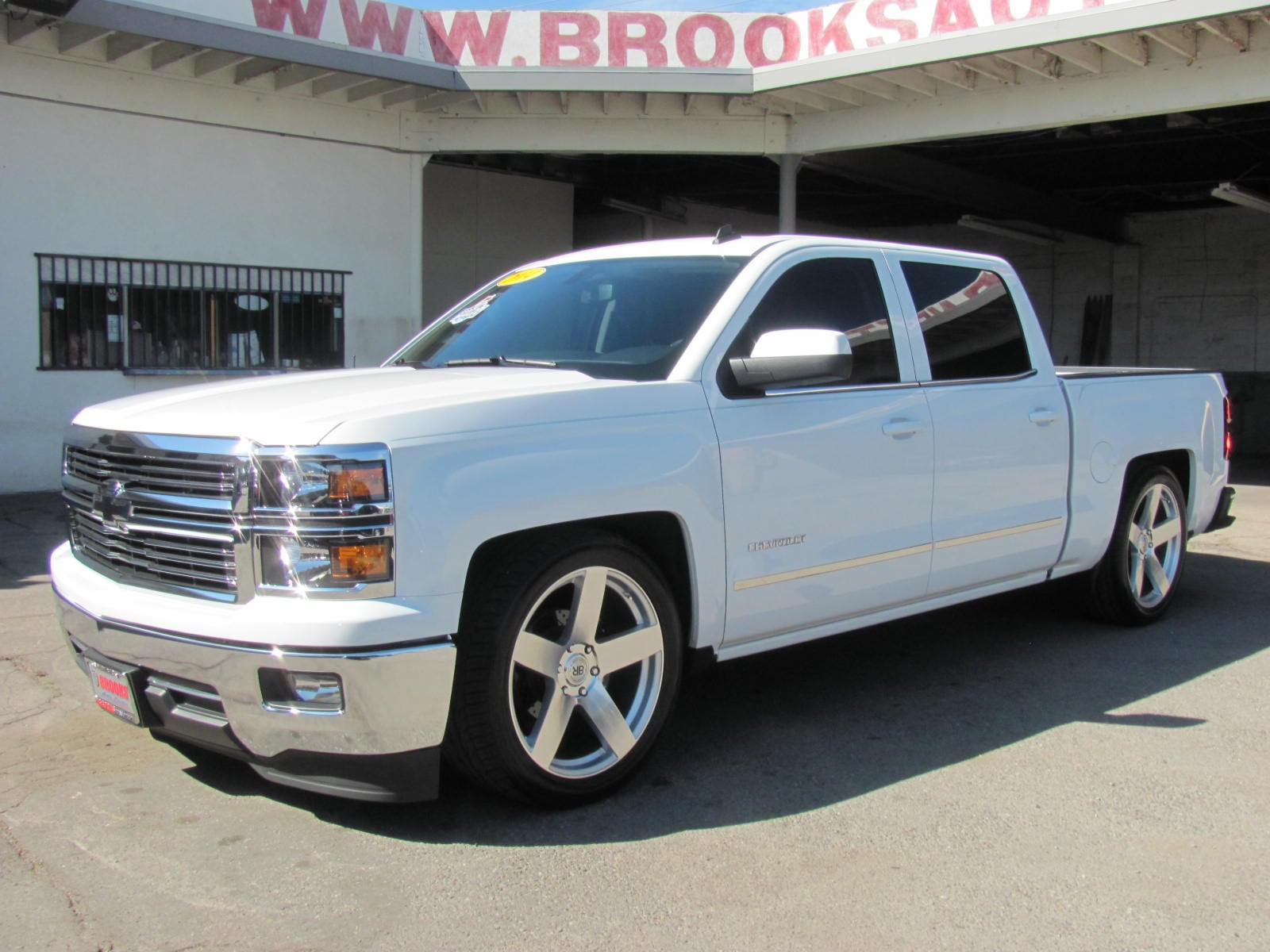 2014 Chevrolet Silverado 1500 LT w/1LT (Professionally Lowered) (Actual 13,143 M Truck Crew Cab