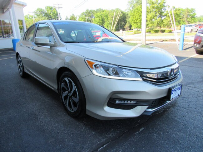 pre-owned 2017 Honda Accord EX-L Sedan 1HGCR2F8XHA037656 for sale in Toledo