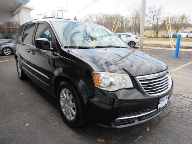 pre-owned 2014 Chrysler Town & Country Touring Van 2C4RC1BG3ER157260 for sale in Toledo