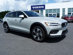 New 2020 Volvo V60 Cross Country T5 Wagon YV4102WKXL1031180 in Nazareth PA