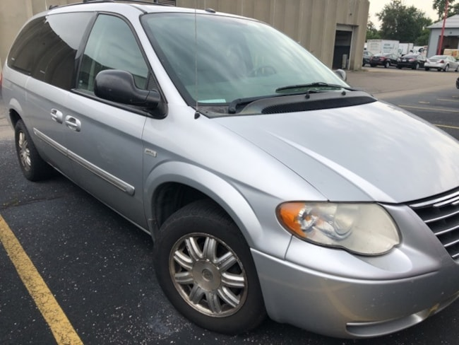 2007 Chrysler Town & Country Touring Minivan/Van